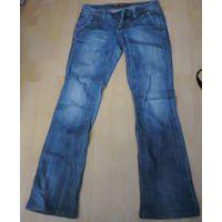 Женские джинсы 26 разм.