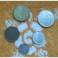 Нидерланды 80-х гг. 5, 10, 25 центов, 1, 5 гульденов. Беатрикс.