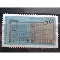 Берлин 1975 здание Михель-1,0 евро