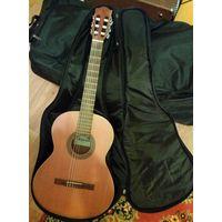 Гитара классическая акустическая испанская ALHAMBRA Z-Nature - Алхамбра, Испания. С чехлом и книгами по игре на гитаре.