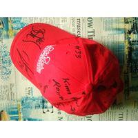 Кепка Omega с автографами хоккеистов сборной Швейцарии.