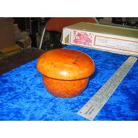 Шкатулка-грибок 7х10 см. Карельская береза.