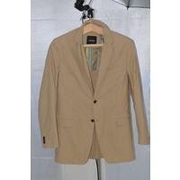 Моднячий удлиннёный пиджак этого года из Австрии.Супер качества и пошива. Новый!