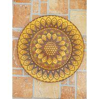 Настенная деревянная резная тарелка / диаметр 24 см