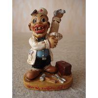 Оригинальная статуэтка на подарок стоматологу-хирургу.