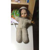 Винтажная старая кукла