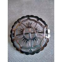 Старинная немецкая брошь ( нач. 20 в.) С религиозной символикой.С-ро. 835 пр. 4 см.