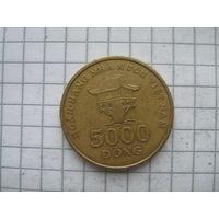 Вьетнам 5000 донг 2003г.