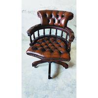 Изящное Английское кожаное кресло