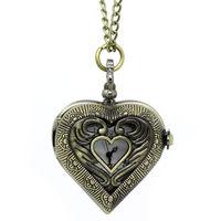 Часы на цепочке в форме сердца. распродажа