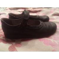 Туфли из Англии кожа р.33-34