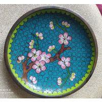 Тарелка эмали. Старинный Китай.
