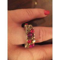 Кольцо с красивыми камнями сильно бу, может кому камни нужны для поделок.