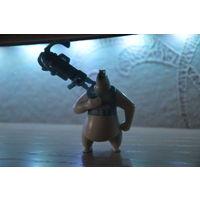 "Игрушка серии ""Пингвины Мадагаскара""(Медведь Капрал)_Лот #И043"