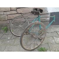 """Ось с колесами для редкого 3-х колесного варианта велосипеда """"Ветерок."""""""