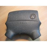 102155 VW Passat b4 подушка airbag водителя 3a0880201b