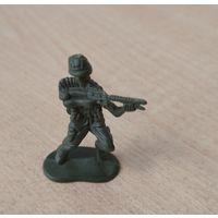 Солдатик с автоматом. Возможен обмен