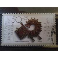 Берлин 1987 золотое изделие, 5 век Михель-1,3 евро гаш.