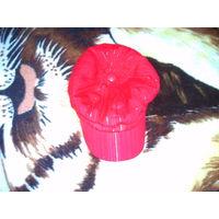 Кепка красная женская.55 см обхват.