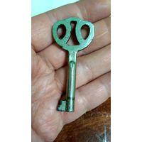 Ключ в старый шкаф.