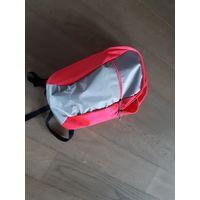 Компактный влагостойкий спортивный рюкзак.
