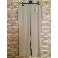 Фирменные новые брюки немецкой фирмы Gelco 54-56 размера отличного качества.. Красивый бежевый цвет. В составе есть лен, отлично будут носится. Сама такие ношу.