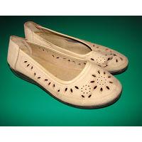 Супер удобные мягкие туфли-балетки р-р 38, бежевый кожзаменитель, крепкая полиуретановая подошва