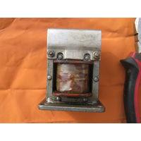 Электромагнитный клапан из СССР.Предположительно использовался на  заводских прессах.Все ТТХ см.на фото.