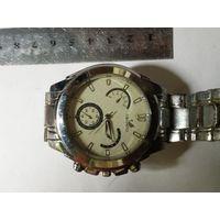 Часы кварцевые 2