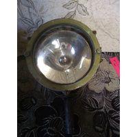 Военный прожектор