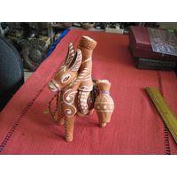 Горец на ишаке с кувшинами, глина, 18 см. Балхарский народный промысел Дагестана.