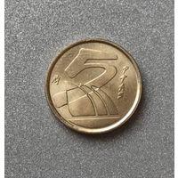 Испания 5 песет 2000 г. Стилизованные парусники