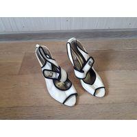 Босоножки, туфли, размер 37, белые.