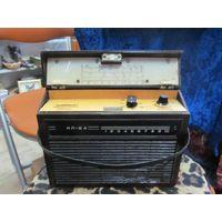 Радиоприемник МП-64 в бакелите.