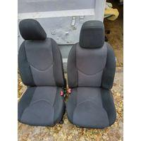 Салон, комплект сидений -5 с дверными картами -5 на Тойота RAV4