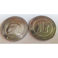 Алжир 10 динар, 2017 /из ролла/