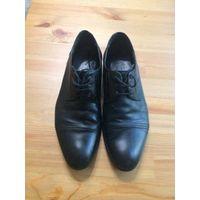 Туфли классические, размер 40, натуральная кожа, новые набойки и профилактика.