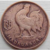 10. Мадагаскар Французский 1 франк 1943 год