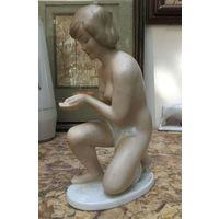 Статуэтка фарфоровая Обнаженная Девушка. Валендорф, Германия