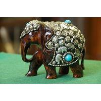Статуэтка Слон индийский  ( высота 9 см, длинна 10 см )