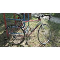 Шоссейный велосипед GT