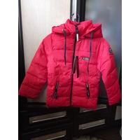 Красная новая курточка деми, унисекс, рост 104-110 см