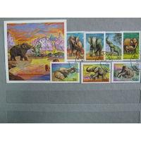 Марки -  Фауна Слоны и мамонты Танзания 1991 год серия из 1 блока и 7 марок