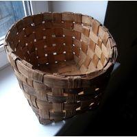Плетеная корзинка из лозы. Аутентика. Возраст около 70 лет или больше. Из Россонского района.