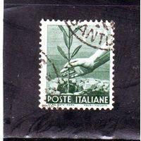 Италия.Ми-689. Посадка оливкового дерева. Серия: Демократия.1945.