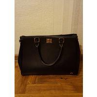 Черная сумка Carpisa