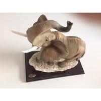 Слон ручной работы автор GIUSEPPE ARMANI