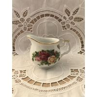 Сливочник Royal Albert Old country roses