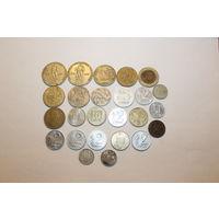 Монетки. 25 штук, разные.