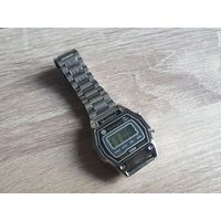 Винтажные электронные часы Montana